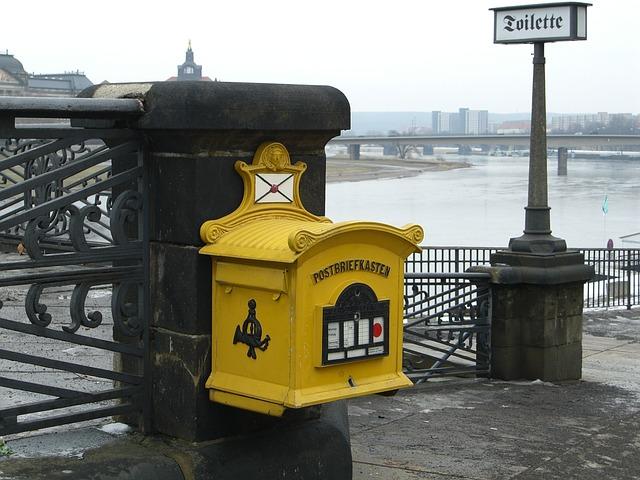žlutá schránka