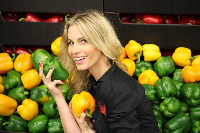 žena a zelenina