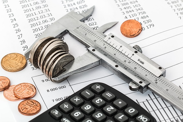 úspory a kalkulačka