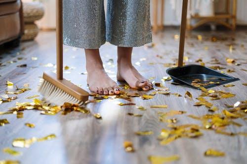 podlaha nepořádek